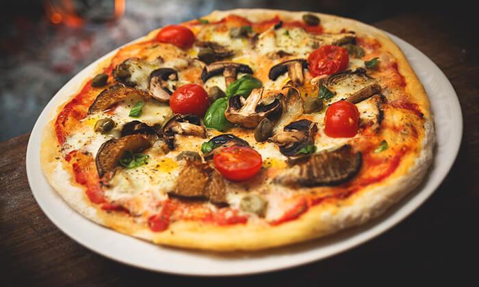 2 ארוחת פיצה ושתייה זוגית באילת