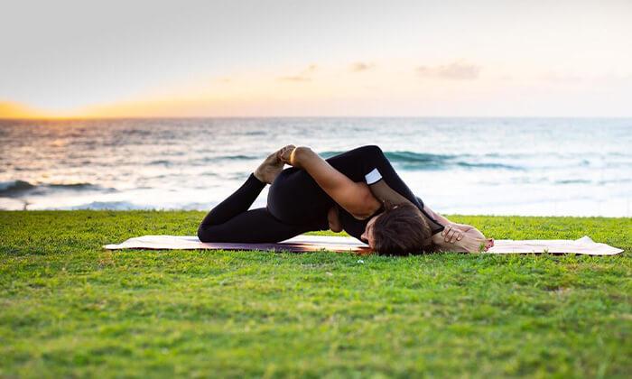 7 שיעור יוגה פרטי עם טל ארונס, תל אביב