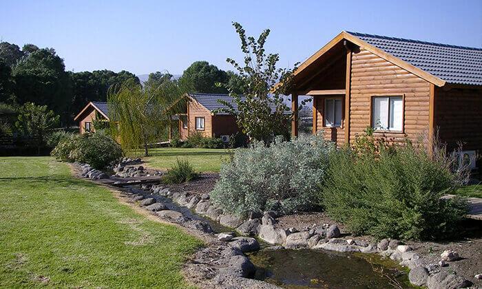 """2 כפר נופש בצפון, כולל סופ""""ש - שקט, שלווה והרבה ירוק"""