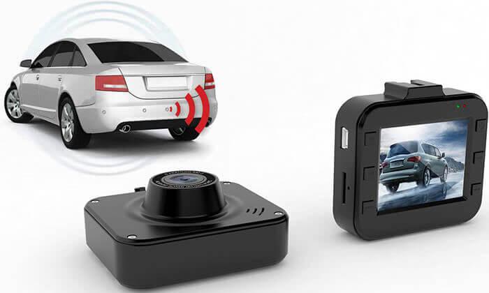 5 מצלמת וידאו לרכב וחיישני רוורס כולל התקנה