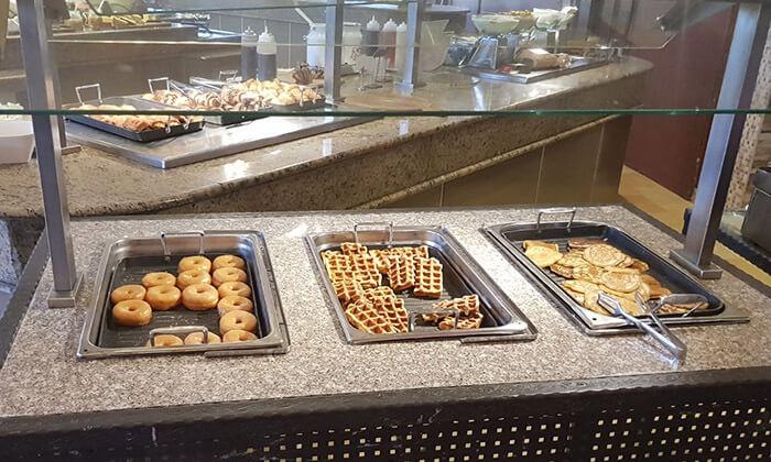 5 ארוחת בוקר בופה במלון לאונרדו ירושלים