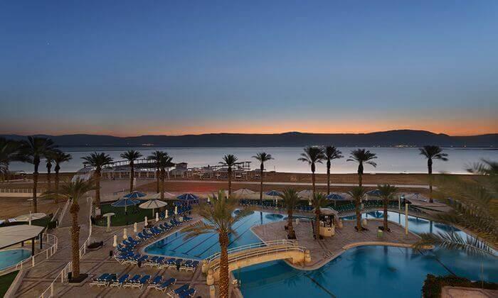 2 יום כיף זוגי במלון קראון פלזה, ים המלח