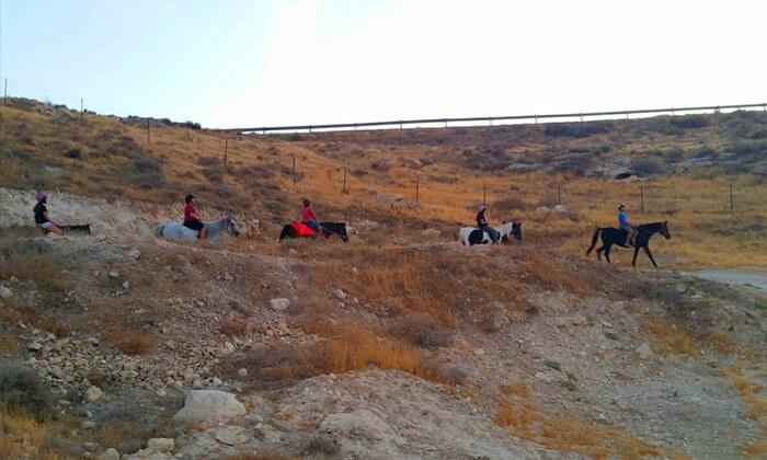 3 רכיבה על סוסים - חוות מדבר יהודה, כפר אדומים