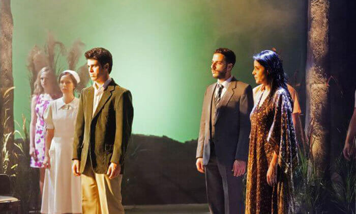 8 כרטיס למחזה המוסיקלי סימני דרך בתיאטרון הבימה