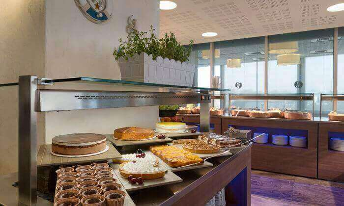 8 ארוחת בוקר בופה במלון רמדה נתניה