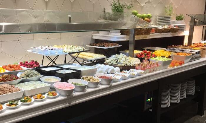 7 ארוחת בוקר בופה במלון גולדן קראון חיפה