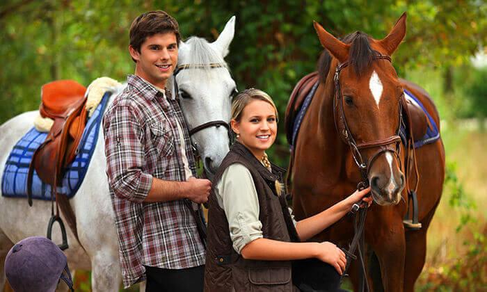 2 טיול רכיבה על סוסים בחוות הבוקר