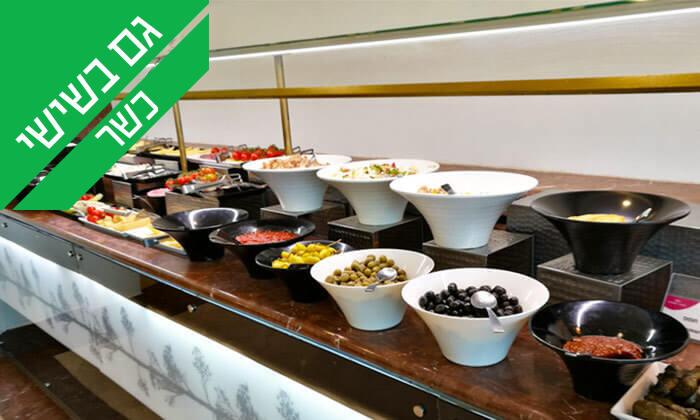 7 ארוחת בוקר בופה במלון קראון פלזה, מול הים בחיפה