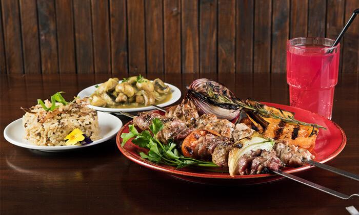 10 ארוחה זוגית במסעדת זויה גריל בר, נתניה