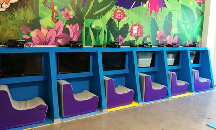 6 כניסה למתחם ג'ימבולי לילדים, ב-A CENTER חדרה