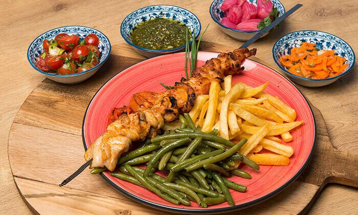"""4 ארוחה זוגית במסעדת """"צ'ומה"""" הכשרה בגן העיר, ת""""א"""