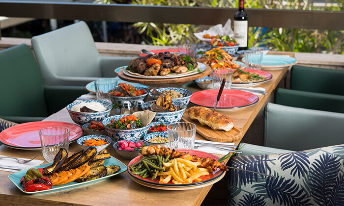 """12 ארוחה זוגית במסעדת """"צ'ומה"""" הכשרה בגן העיר, ת""""א"""