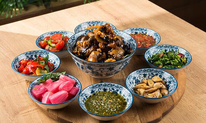 """13 ארוחה זוגית במסעדת """"צ'ומה"""" הכשרה בגן העיר, ת""""א"""