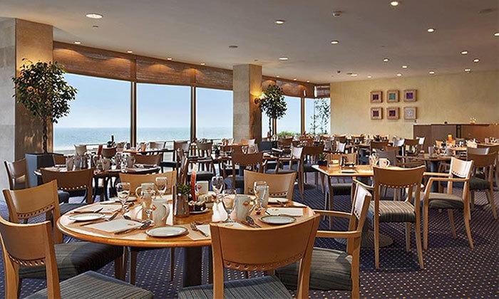 3 Groupon Premium | מזנון פרימיום כשר בשישי ובשבת - מלון הילטון תל אביב