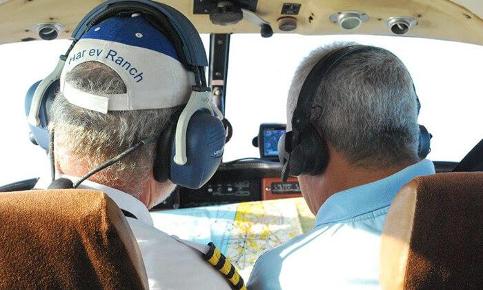 4 סימולטור טיסה או הטסת מטוס עצמית במנחת הרצליה