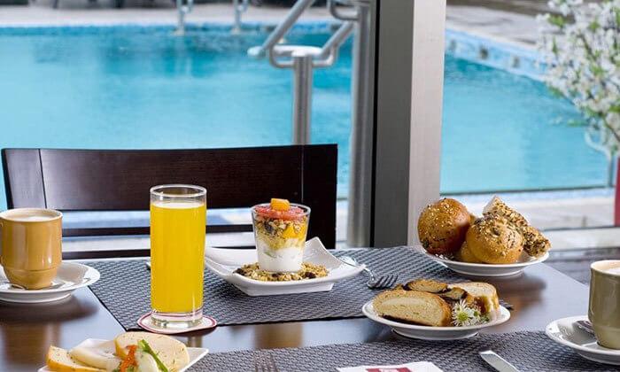 3 ארוחת בוקר בופה במלון לאונרדו סיטי טאוור, תל אביב