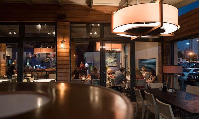 5 GROO PREMIUM: ארוחה זוגית במסעדת יוליה, תל אביב