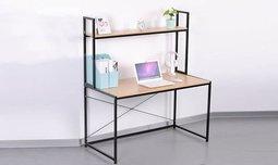 שולחן מחשב עם מדף