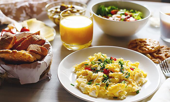 2 ארוחת בוקר זוגית בסטלה ביץ' - דג על הים, בת-ים