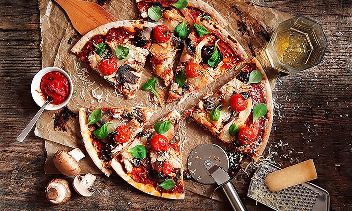 2 מגש פיצה משפחתית ולחם שום בסניף BIG pizza הכשרה למהדרין, פסגת זאב