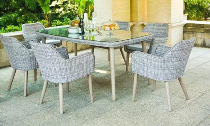 3 פינת אוכל לגינה עם כסאות תואמים