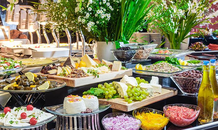 8 דיל חגיגת קיץ: יום כיף במלון לאונרדו ביץ' תל אביב