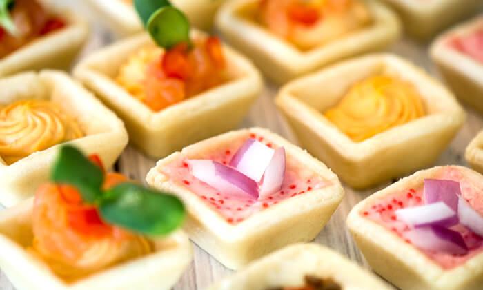 10 מגשי אירוח כשרים של קייטרינג ג'אנדויה