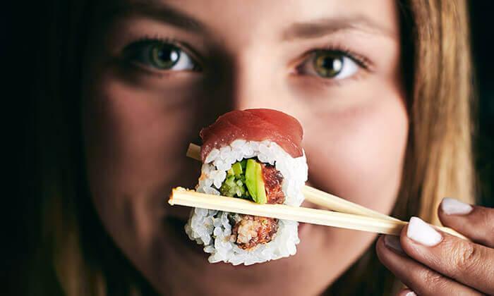 8 GROO PREMIUM: ארוחת שף זוגית במסעדת AMAMA היפנית מבית TYO, רמת החייל
