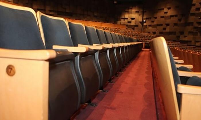 4 כרטיס לסרט קולנוע בסימנטק חיפה