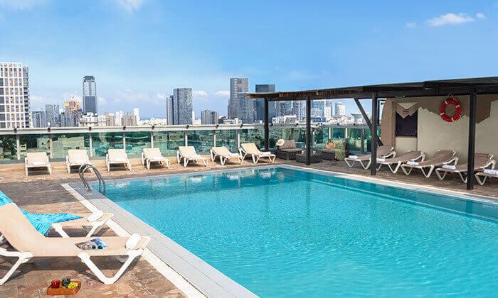20 ארוחת בוקר וכניסה לבריכה במלון רימונים טאואר רמת גן