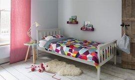 מיטת נוער ברוחב וחצי