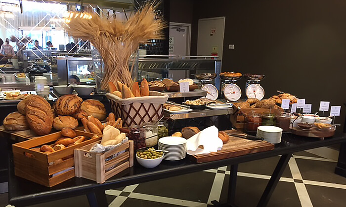 5 ארוחת בוקר במלון הבוטיק David Tower נתניה