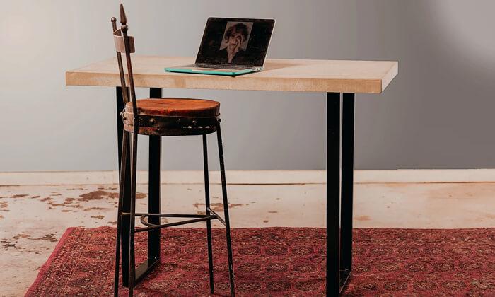 3 שולחן בר מעוצב מבטון