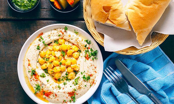 3 ארוחת בוקר זוגית במסעדת אבו זאקי בבן יהודה