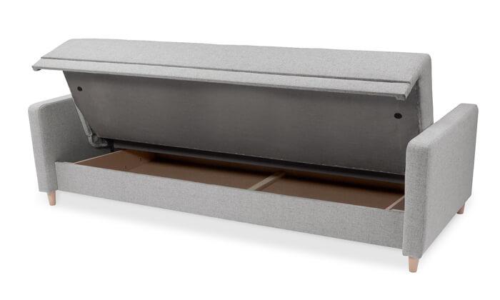 4 שמרת הזורע: ספה תלת מושבית נפתחת למיטה