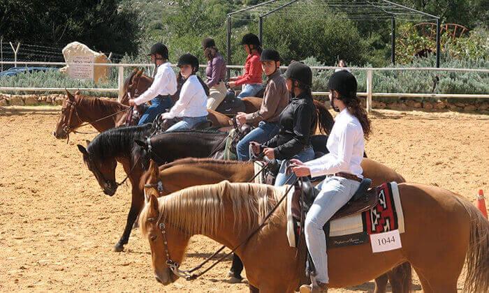 2 חוות הרי יהודה - קורס רכיבה על סוסים בחופש הגדול