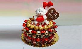 עוגת פרלינים ודובי שוקולד
