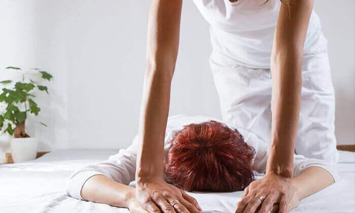 2 טיפול פיזיותרפיה או עיסוי ב'טיליה', רשת קליניקות טיפוליות