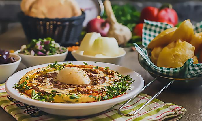 9 מנת חומוס במסעדת בית הפול הכשרה, אשדוד