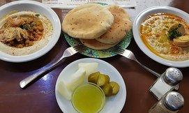 ארוחה בחומוס לוינסקי 41 בת