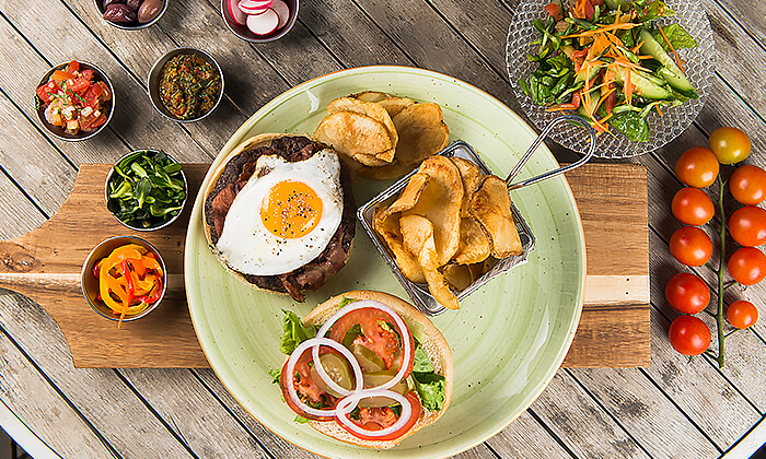 3 המבורגר לשניים במסעדת אראמיס, אשדוד