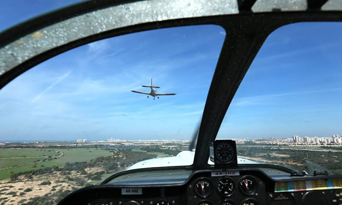 3 הטסת מטוס עצמאית בליווי מדריך