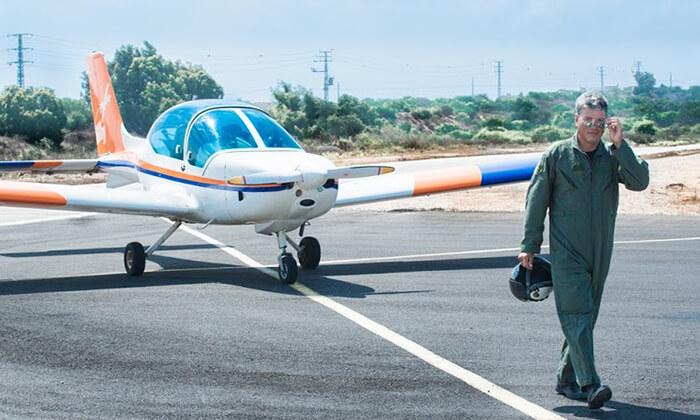 4 הטסת מטוס עצמאית בליווי מדריך