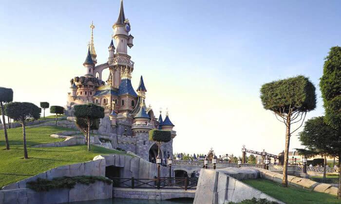 9 את החג הזה הילדים לא ישכחו: חופשת חגים בפריז, כולל כרטיסים ל-2 הפארקים בדיסנילנד