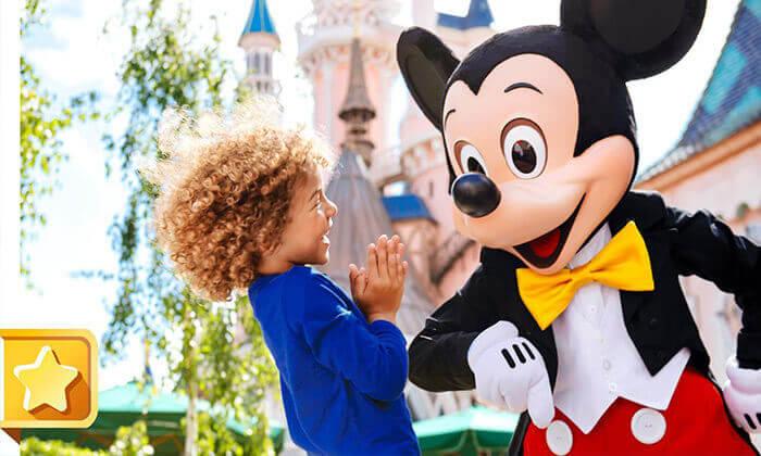 3 את החג הזה הילדים לא ישכחו: חופשת חגים בפריז, כולל כרטיסים ל-2 הפארקים בדיסנילנד