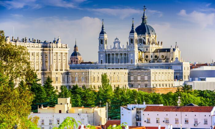 6 מאורגן למדריד, בירת ספרד היפה - קיץ וחגים