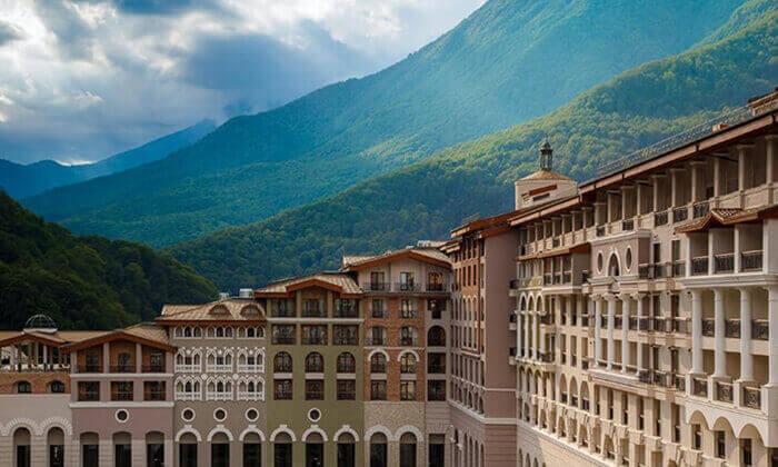 12 קיץ של קזינו, שופינג, בילויים ומלון 5 כוכבים בסוצ'י, הריביירה הרוסית