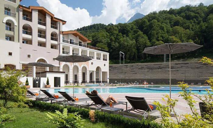 5 קיץ של קזינו, שופינג, בילויים ומלון 5 כוכבים בסוצ'י, הריביירה הרוסית