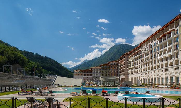 2 קיץ של קזינו, שופינג, בילויים ומלון 5 כוכבים בסוצ'י, הריביירה הרוסית