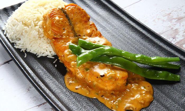 8 ארוחה זוגית במסעדת לאגו, מעלה אדומים